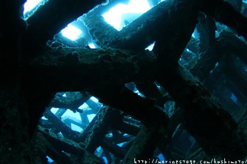 安室漁礁 漁礁の中