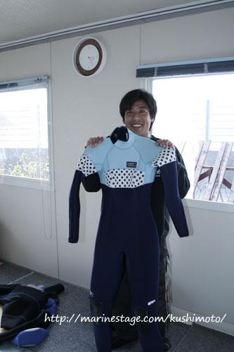 2011年の新作ウエットスーツ!byモビーズ