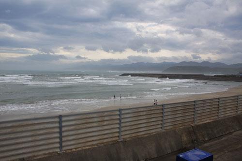 台風後のビーチ