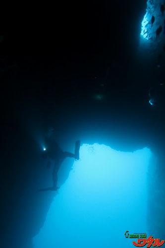 ブラックトンネル